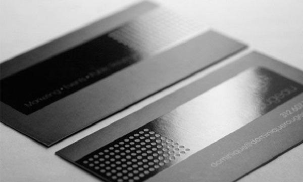 Card visit kết hợp công nghẹ cán màng mờ và màng bóng UV.
