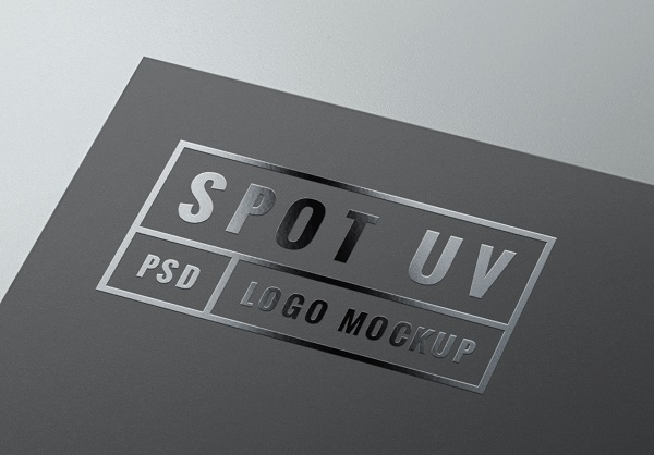 Name card được cán màng phun UV bóng.